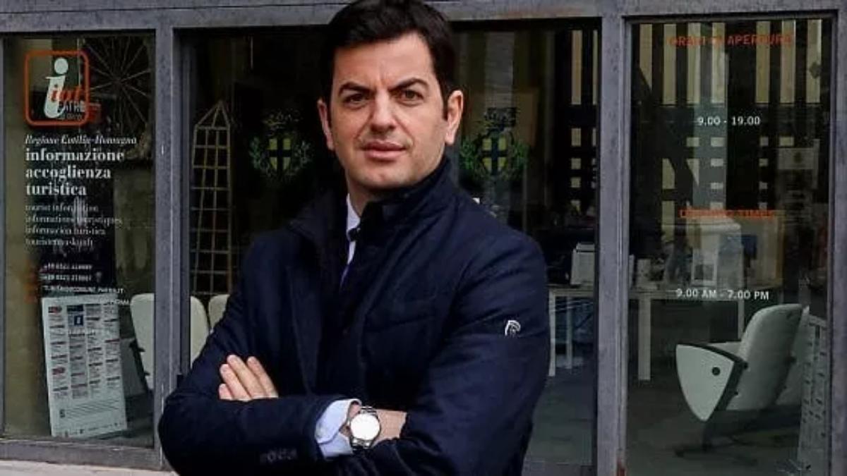 L'albanese che a Parma sfida Pizzarotti e il Pd